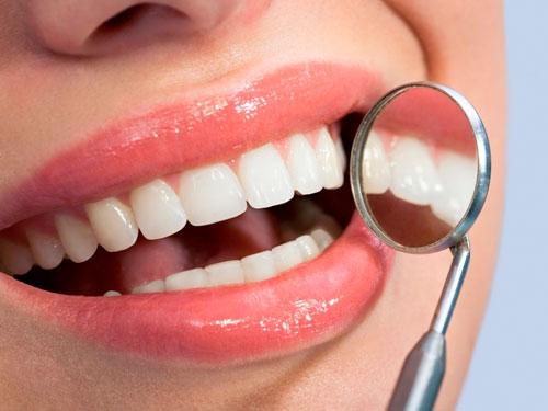 Сколько стоит отбеливание зубов у стоматолога