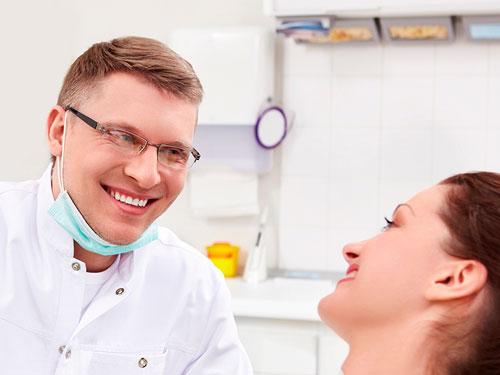 Недорогая имплантация зубов в Москве