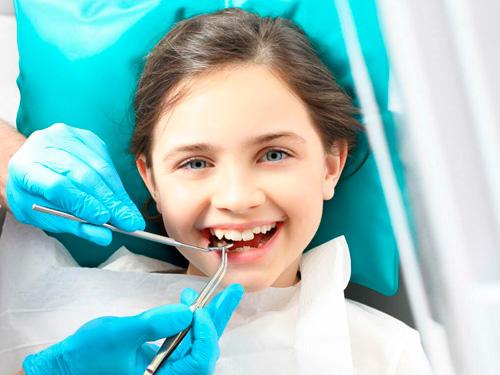 Где лучше лечить ребенку зубы в СПб