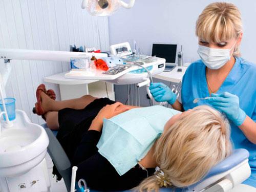 Удаление зуба при грудном вскармливании