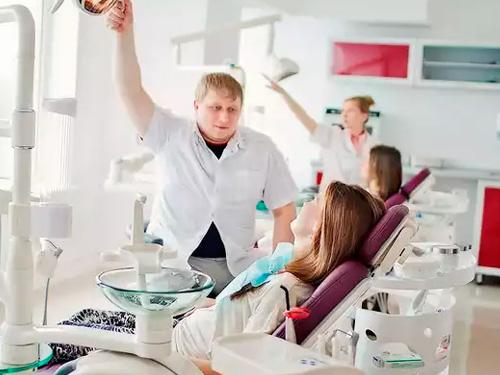 Удаление ретинированного зуба цена