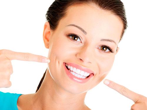 Сколько стоит отбеливание зубов в Москве