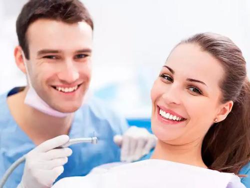 Где лечить зубы недорого и качественно