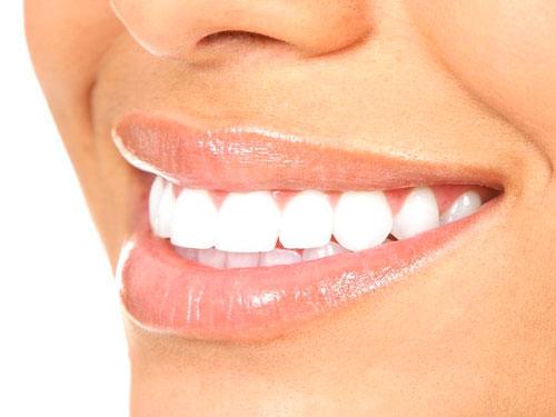 Отбелить зубы в стоматологии цена