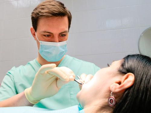 Лазерное отбеливание зубов в Новосибирске