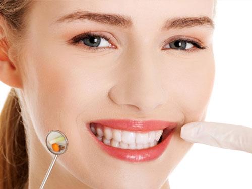 Сколько стоит запломбировать зуб в Москве