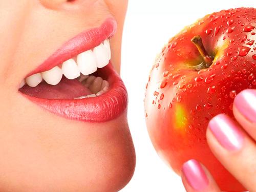 Вставить передний зуб