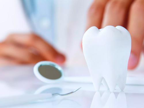 Замена коронок на зубах