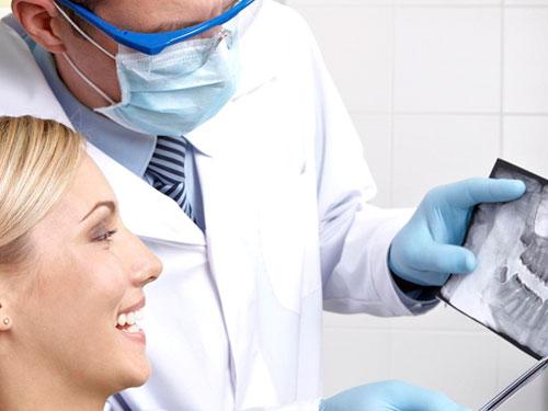 Сколько стоит запломбировать зуб