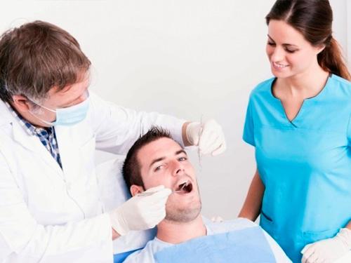 Мост на имплантах на 4 зуба