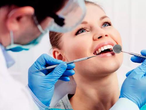 Вставить зубы недорого