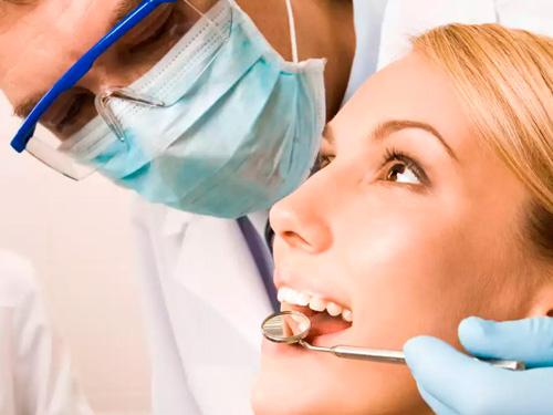Сколько стоит вставить зуб в СПб