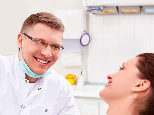 Сколько стоит вставить зубы в СПб цены