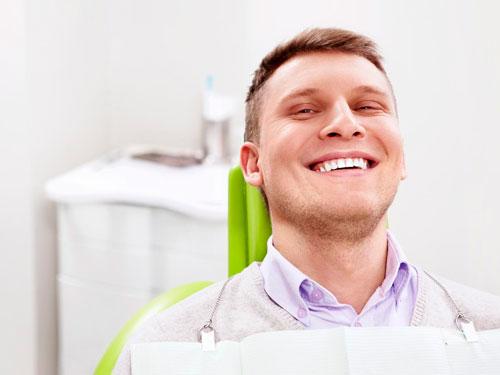 Сколько стоит вставить зуб в Новосибирске