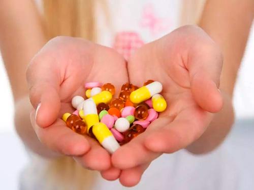 Как лечить молочницу у женщин препараты